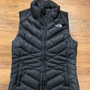 Northface 550 black vest